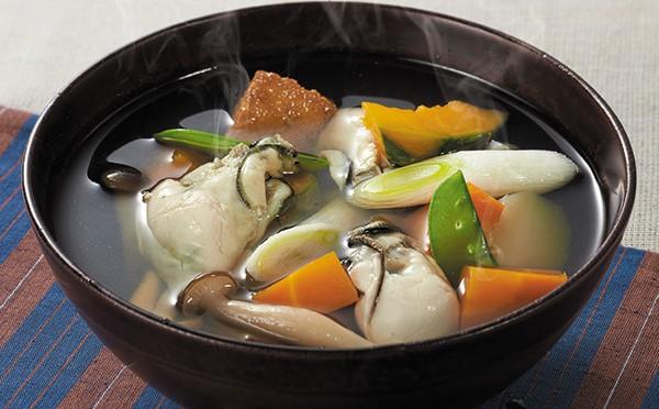 旬の野菜と牡蠣のすまし汁